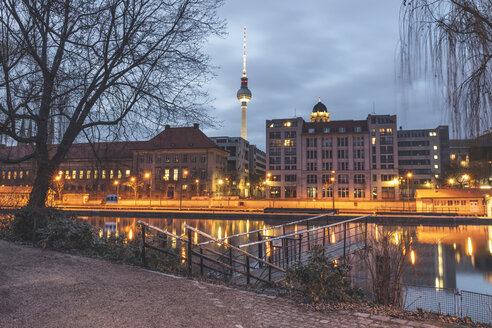 Germany, Berlin-Mitte, View from Fischerinsel over Spree river to Berlin TV Tower in the evening - KEBF01216