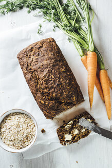 Swedish carrot bread 'Morotslimpa' with oats and dark syrup - IPF00505