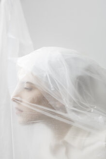 Graceful woman trapped in a veil - ALBF00766