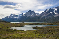 Chile, Patagonia, Torres del Paine National Park, Glacial lakes - RUNF01499