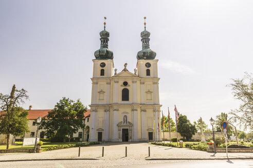 Austria, Burgenland, Frauenkirchen, basilica Maria Geburt - AIF00612