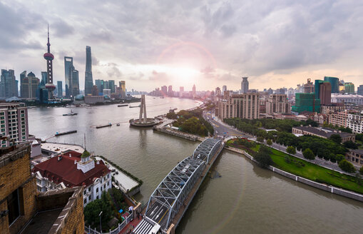 Waibaidu Bridge, the Bund and Pudong skyline, high angle view, Shanghai, China - CUF49812