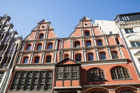 Hausfassade in der Altstadt von Stralsund, UNESCO-Weltkulturerbe, Vorpommern, Mecklenburg-Vorpommern, Deutschland - MAMF00487