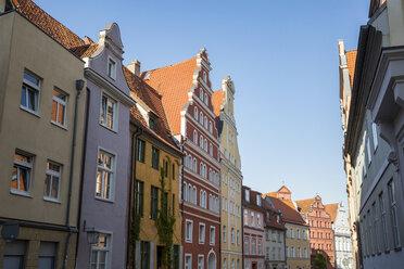 Germany, Mecklenburg-Western Pomerania, Stralsund, Old town, house facades - MAMF00496