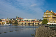 Czech Republic, Prague, view on the Charles bridge and the old town - RUNF01509