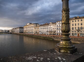 Italy, Tuscany, Florence, Arno river, Ponte alla Carraia - LAF02251