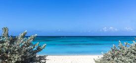 Greater Antilles, Grand Turk Island, Cockburn Town, white sand beach - MABF00530