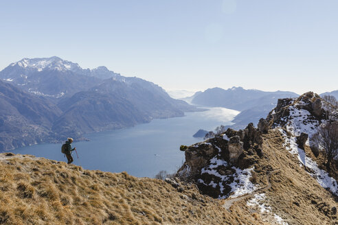 Woman hiking in the mountains. Como, Lecco. - MRAF00377