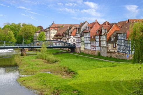 Fuldaufer mit der alten Fuldabrücke,  Rotenburg an der Fulda, Hessen, Deutschland - LBF02485
