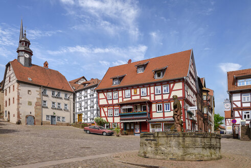 Germany, Schlitz, market square with townhall - LBF02488