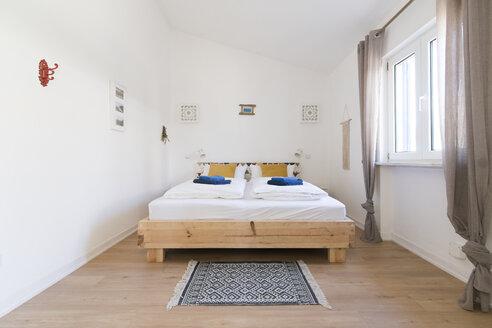 Modern bedroom - SBOF01896