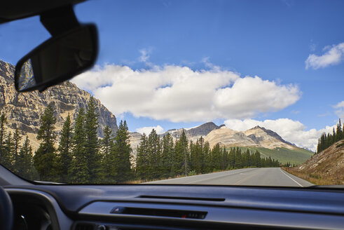 Canada, Alberta, Jasper National Park, Banff National Park, Icefields Parkway, road and landscape seen through windscreen - EPF00572