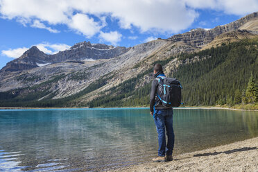 Canada, Jasper and Banff National Park, Icefields Parkway, man at lakeside - EPF00581