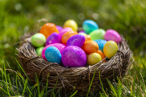 Sparkling Easter eggs in nest - SARF04195