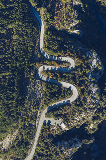 Spain, Navarra, Irati Forest, aerial view of winding road - RSGF00146