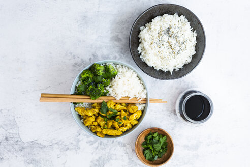 Rice with chicken curry and broccoli - GIOF06015
