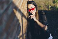 Spain, portrait of a happy teenage girl - ERRF00852