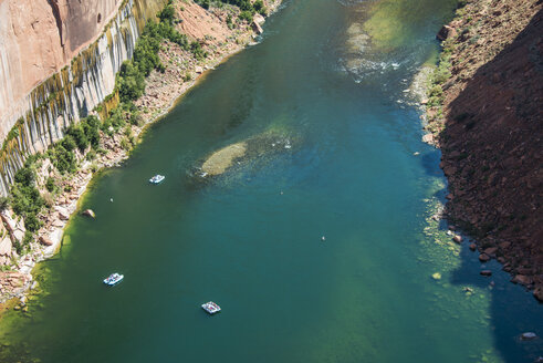 USA, Arizona, overlook over the Glen Canyon and the Colorado River - RUNF01709
