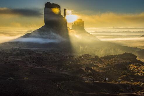 USA, Arizona, Monument valley at sunrise - RUNF01738