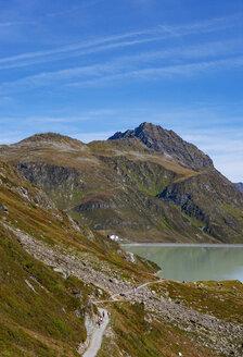 Austria, Vorarlberg, Bielerhoehe, Silvretta Reservoir, trail to Klostertal - WWF04954