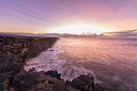 USA, Hawaii, Big Island, Volcanoes National Park, Pacific Ocean, lava coast at sunrise - FOF10549