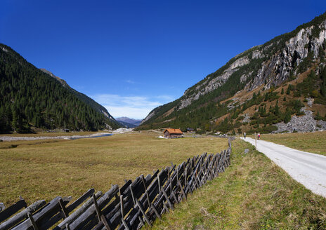 Austria, Salzburg State, High Tauern National Park, trail at Krimmler Ache - WWF05028