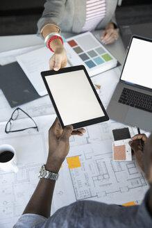 Interior designers using digital tablet - HEROF35420