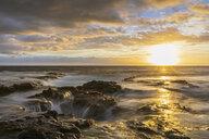 USA, Hawaii, Big Island, Kona, Pele's Well, Blowhole at aunset - FOF10586