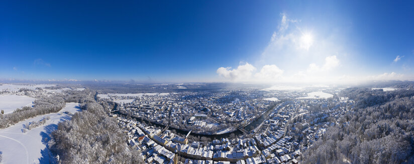 Germany, Bavaria, panoramic view over Wolfratshausen with Loisach river in winter, aerial view - SIEF08555