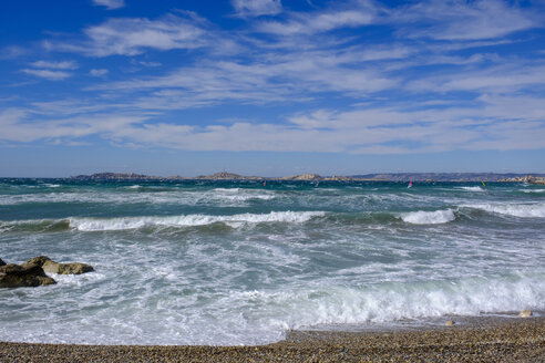 France, Marseille, Plage de l'Huveaune, strong waves at the beach - LBF02537