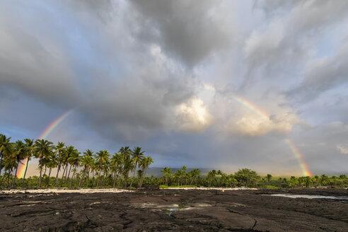 USA, Hawaii, Big Island, Pu'uhonua o Honaunau National Park, lava coast and rainbow - FOF10634