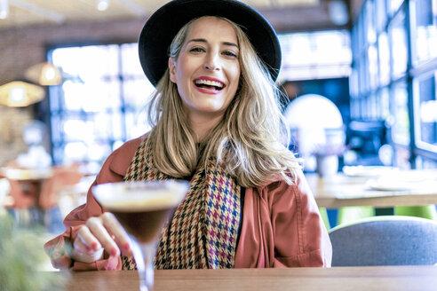 Sevilla, Spain, woman, coffee shop, fall - ERRF01074