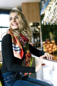 Sevilla, Spain, woman, coffee shop, fall, tea, cocktail, barman - ERRF01122