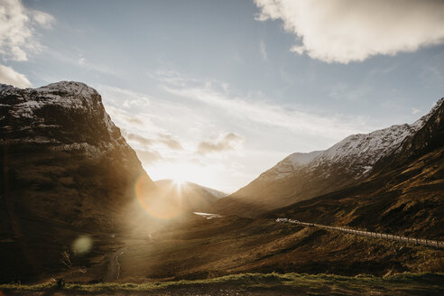 UK, Scotland, Glencoe, road through the mountains in backlight - LHPF00578
