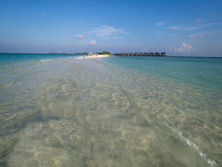 Maledives, Ross Atoll, water bungalows at the beach - AMF06902