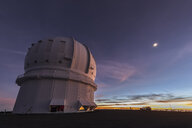 USA, Hawaii, Mauna Kea volcano, telescope at Mauna Kea Observatories before sunrise - FOF10654