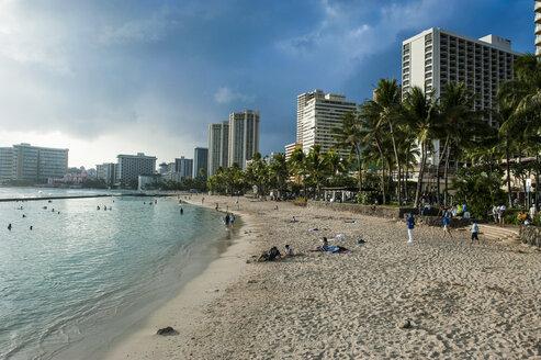 Hawaii, Oahu, Waikiki beach, high rise hotels on the beach - RUN01901