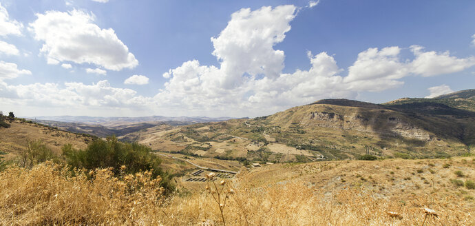 Italy, Sicily, panoramic view over landscape near Cefalu - MAMF00607