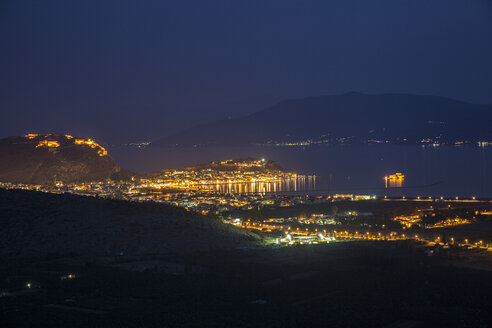 Greece, Nafplio, townscape with Palamidi fortress at blue hour - MAMF00653