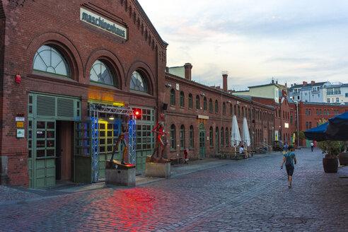 Germany, Berlin, Kulturbrauerei at dusk - TAM01370
