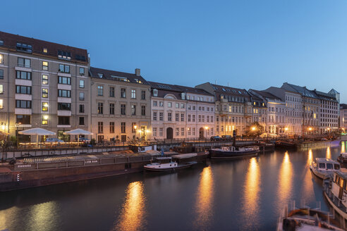 Fischer insel or fisher island in Berlin Mitte at night with the historic boats museum - TAMF01373