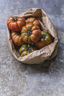 Sardinian beef tomatoes in paper bag - STBF00325