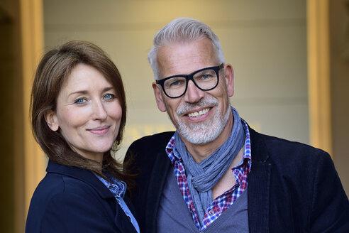 Portrait of a happy, mature couple - ECPF00726