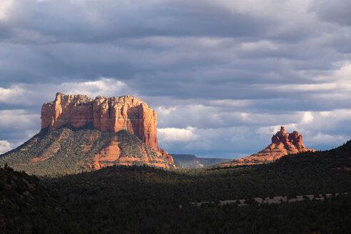 Cloudscape over scenic landscapes, Sedona, Arizona, USA - ISF21435