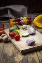 Preparation of vegetable skewers - LVF08025