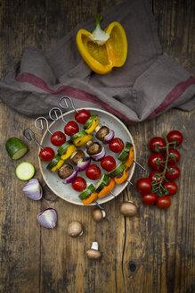 Grilled vegetable skewers on a plate and single ingredients - LVF08031