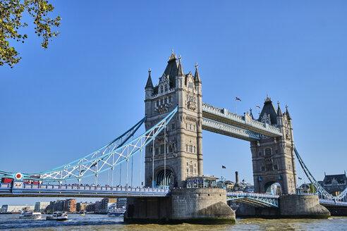 UK, London, River Thames and Tower Bridge - MRF01982