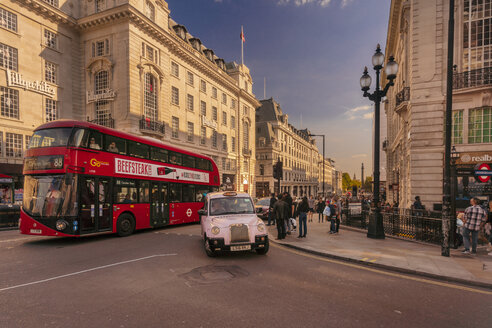 Piccadilly street by Picadilly Circus with london bus and taxi - TAM01473
