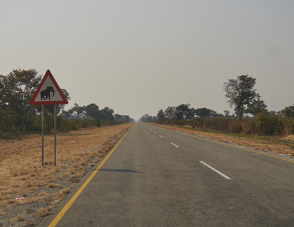 South Africa, Mpumalanga, Beware of the Elephant sign on the road to Kruger National Park - VEGF00234