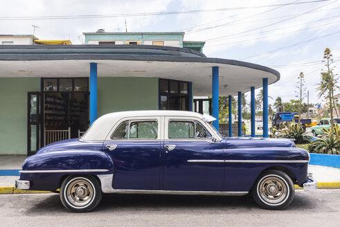 Parked blue vintage car, Havana, Cuba - HSIF00594